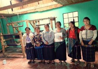 Mujeres Negociantes Nahuala Group