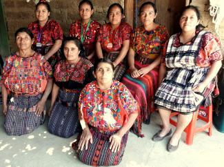 Mujeres De Xeabaj 2 Group