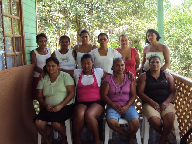 Banco Mujer Las Luchadoras Group